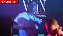 Chris Brown -- Singing with Rihanna in Orlando Nightclub