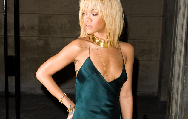 Rihanna Shows Serious Skin at London Fashion Week
