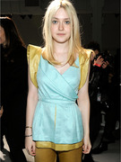 Dakota Fanning Turns 18, Comes Into Millions!