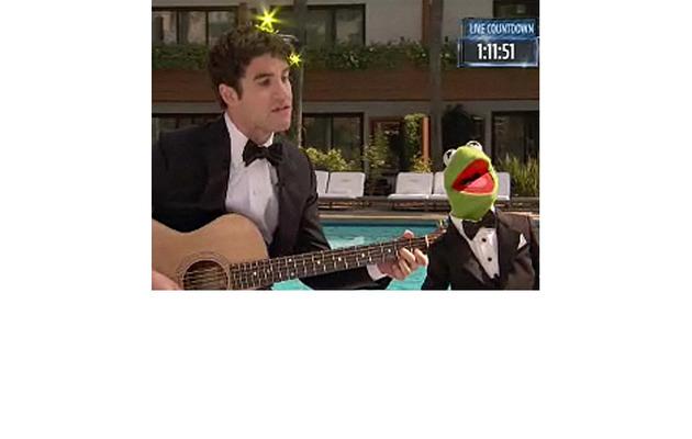 """""""Glee's"""" Darren Criss Duets with Kermit the Frog!"""