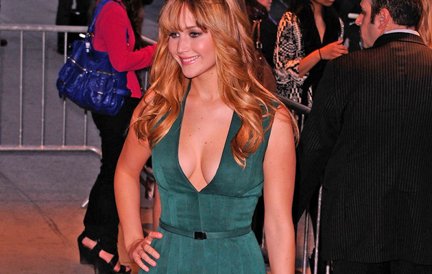Wow! Jennifer Lawrence Wears Revealing Dress in NY