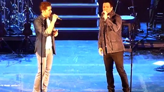 Video: Matthew Morrison & JC Chasez Sing NSYNC!