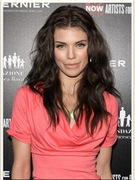 Photos: AnnaLynne McCord&#039;s Darker &#039;Do