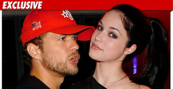 Ryan Phillippe &amp; Pregnant Ex -- Pre-Gyno Coffee Date