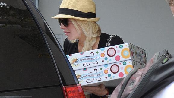 Lindsay Lohan Gets Baked ... Goods