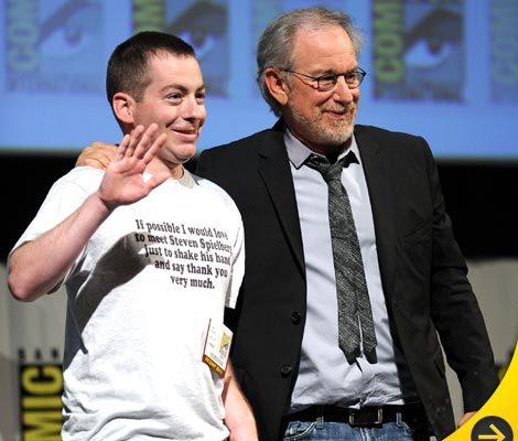 Steven Spielberg Has Close Encounter With Superfan