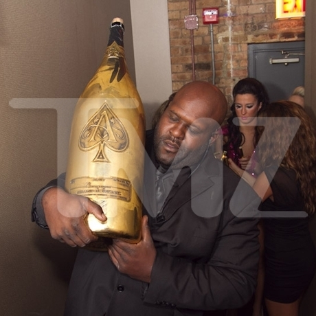 Zac Efron Bottle Service Ace Champagne Photo Gallery Pictures