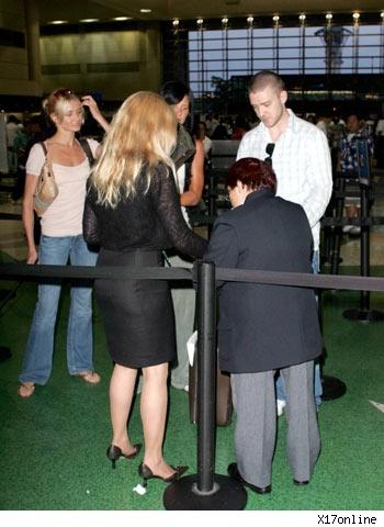 Cameron Diaz and Justin Timberlake at Los Angeles Intl. Airport