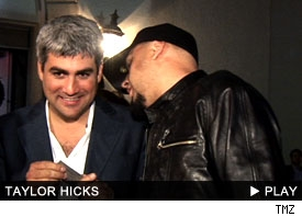 Taylor Hicks: click to watch!