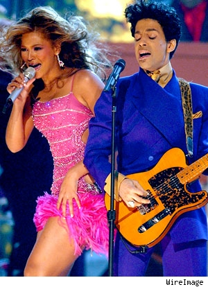 Beyonce w/ Prince at the 2004 Grammys