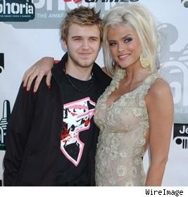 Anna Nicole Smith and late son Daniel in 2004.