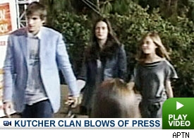 Ashton Kutcher & Demi Moore: Click to watch