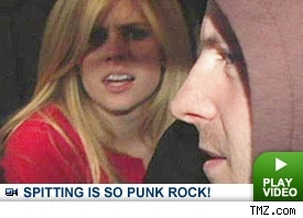 Avril is sooooo punk rock: Click to Watch