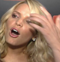 Jessica Simpson gets removed from the show
