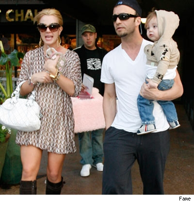 Britney Spears at pet store