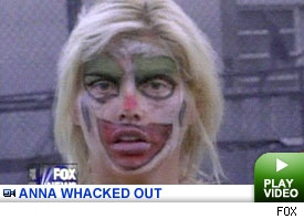 Anna Nicole Whacked Out Video: Click to watch