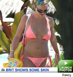 Brit and Family in Hawaii: Click to launch photos
