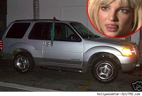 britney spears / Ford explorer and umbrella