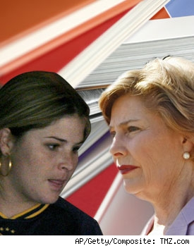 Jenna Bush and First Lady Laura Bush