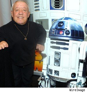 R2-D2 actor in hospital