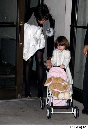suri cruise 2009. Lil#39; Suri Cruise has fun with