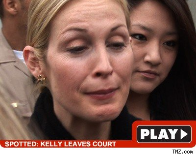 Kelly Rutherford: Click to watch