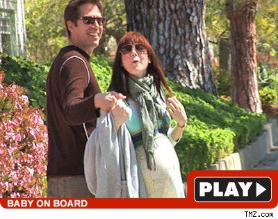 Alyson Hannigan: Click to watch