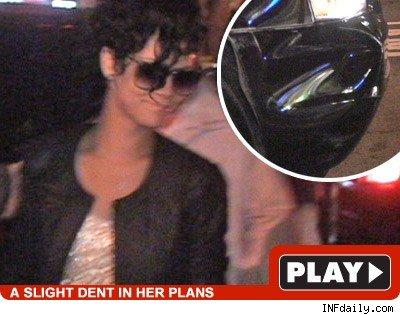 Rihanna: Click to watch