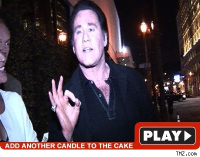 Wayne Newton: Click to watch