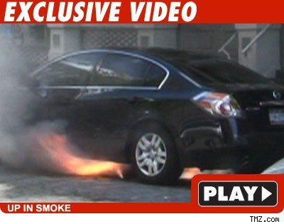 Manhole explosion: Click to watch
