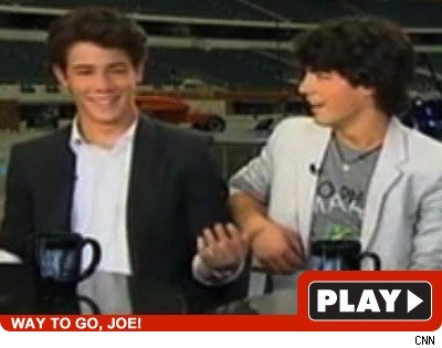 Jonas Brothers: Click to watch