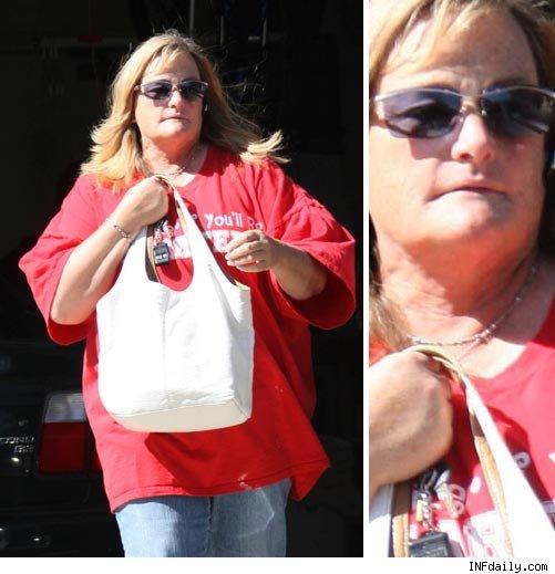 Debbie Rowe - 0704_debbie_rowe_infphoto_1014207-1
