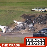 travis barker plane crash
