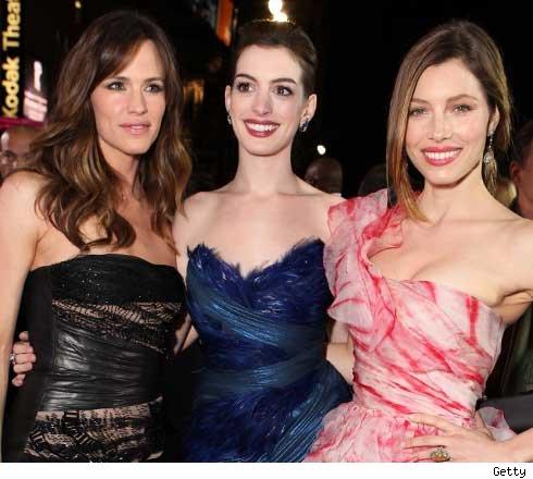 Jen Garner, Anne Hathaway, Jessica Biel