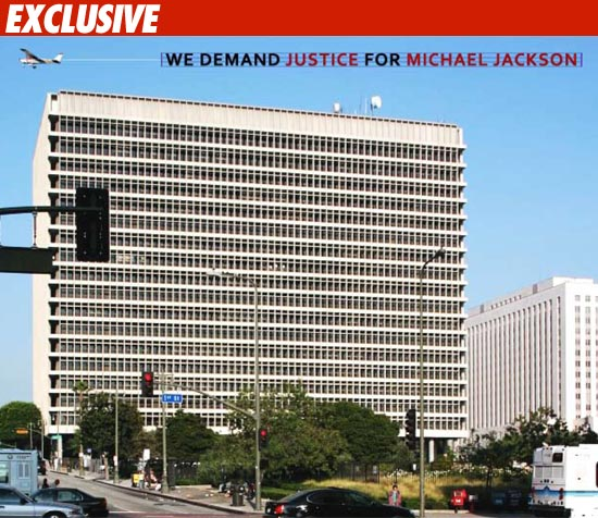 MJ Fans Launch Aerial Attack on Doc Murray
