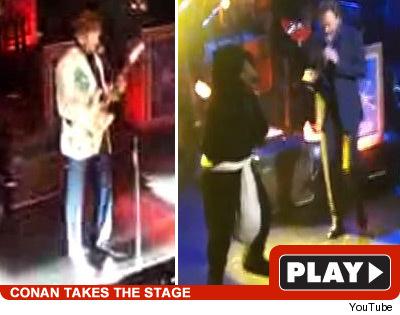Conan O'Brien  on stage