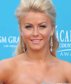 Julianne Hough to Return to 'Dancing'