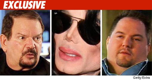 http://ll-media.tmz.com/2010/05/05/050510-michael-arnie-extra-ex-credit.jpg