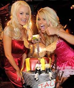 Holly Madison -- Best Birthday Planner Ever?