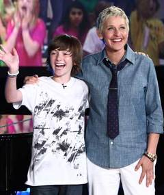 Ellen's New Label Signs YouTube 'Paparazzi' Kid