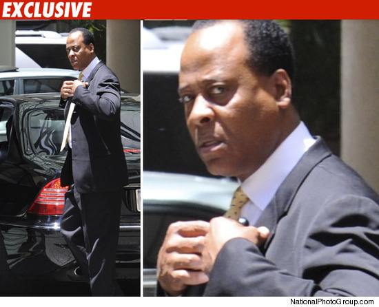 http://ll-media.tmz.com/2010/06/14/0614-conrad-murray-bn-npg-credit.jpg