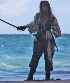 Captain Jack is Back ... on Set!