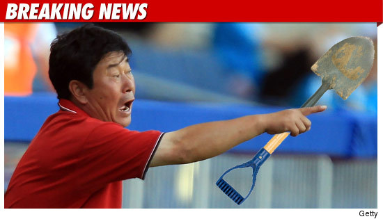 0730_BN_korea_coach_kwang_sok_choe_shovel_getty