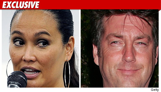 Tia Carrere Divorce