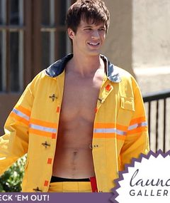 """90210"" Hunk Dons Fireman Uniform -- Just 'Cuz"