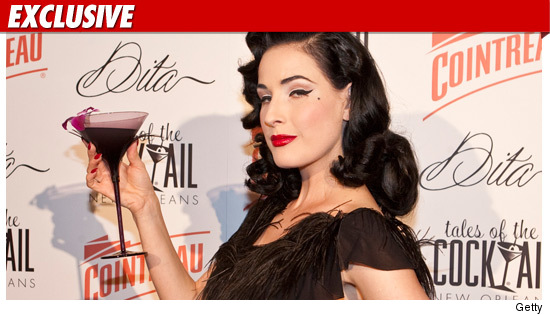 0830_dita_von_teese_getty_ex