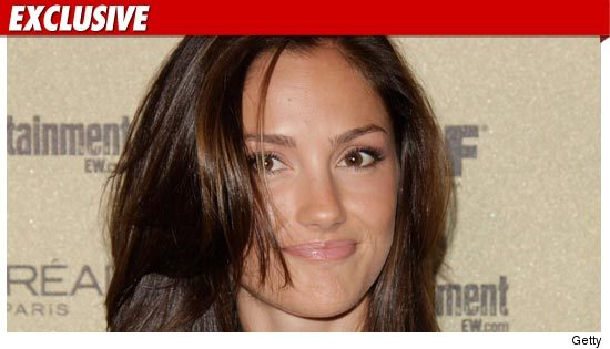 Minka Kelly claims she didn't freak out on an airplane earlier today  and