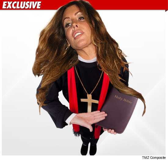 0924_rachel_uchitel_priest_EX_getty