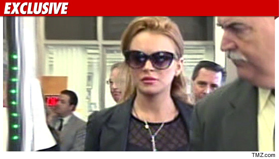 0925_lindsay_Lohan_TMZ_EX3