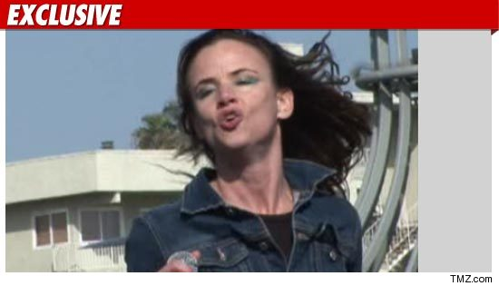 Juliette Lewis car accident.